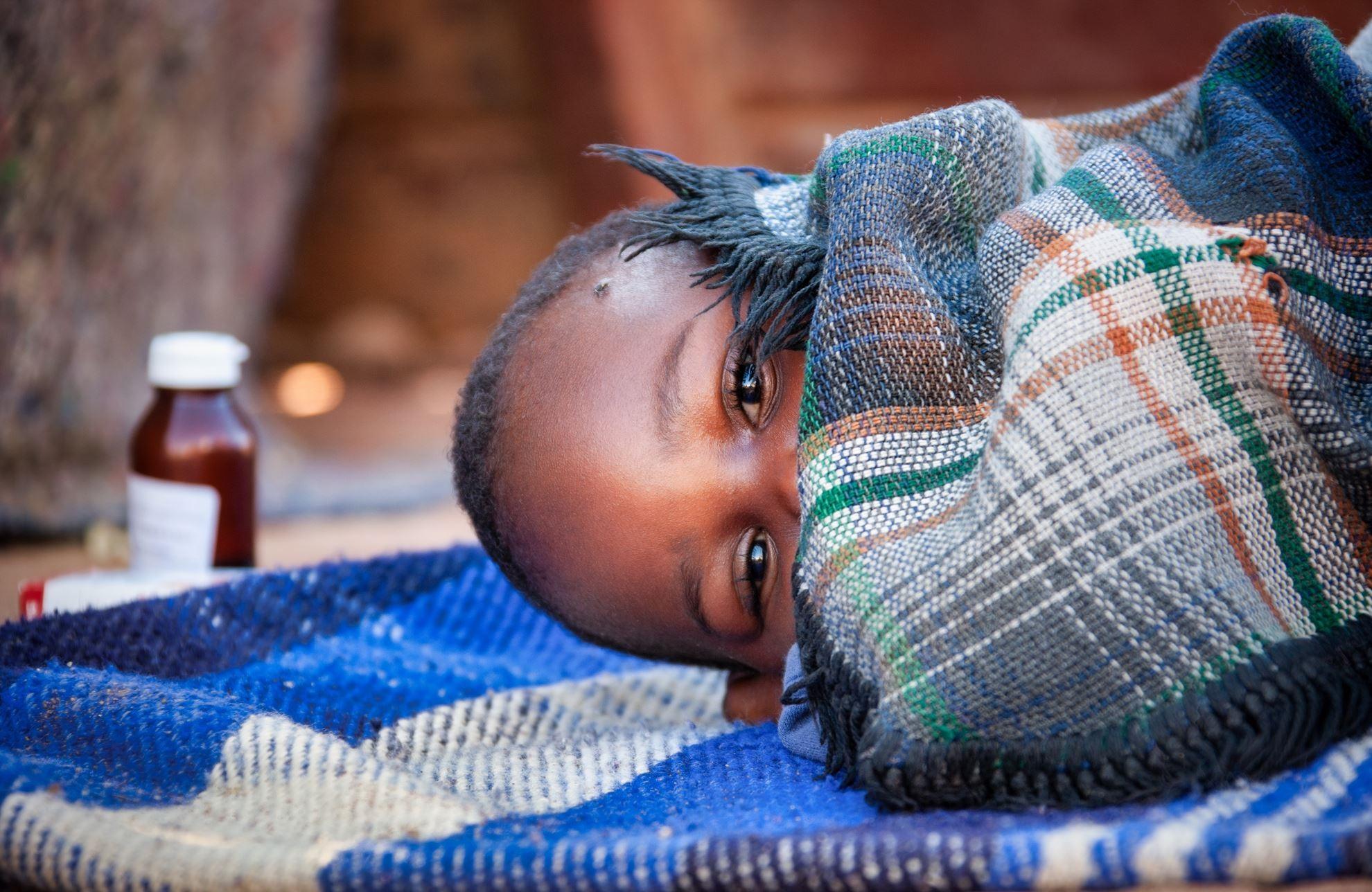 LE VACCIN D'OXFORD CONTRE LE PALUDISME S'AVERE TRES EFFICACE DANS UN ESSAI AU BURKINA FASO